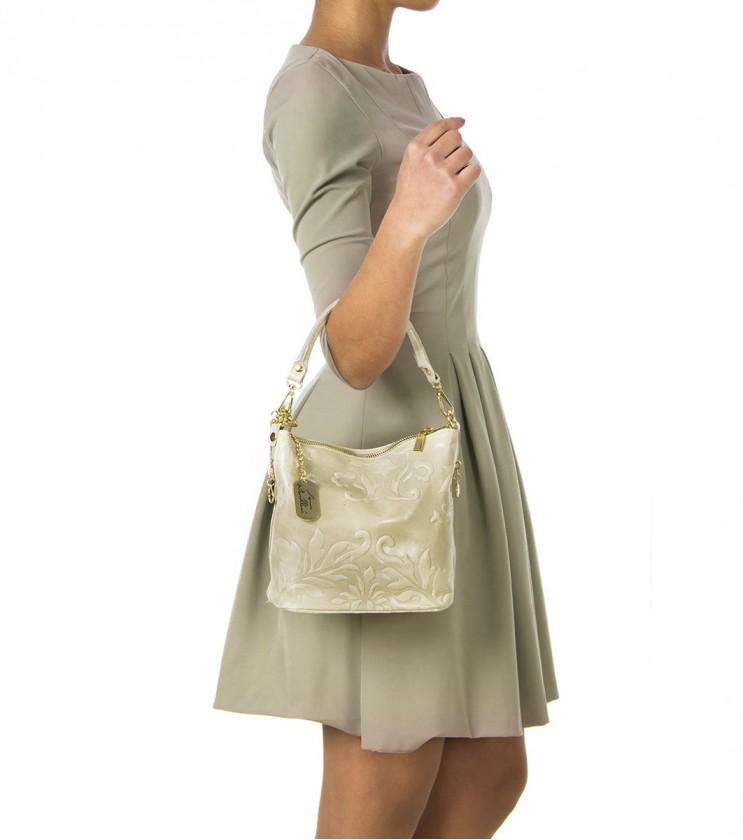 Дамска кожена чанта в бежов нюанс с флорални мотиви Sofie
