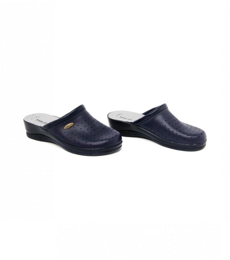 Тъмносини затворени чехли с перфорации