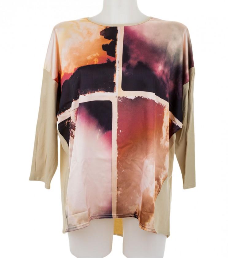 Бежова дамска блуза с принт