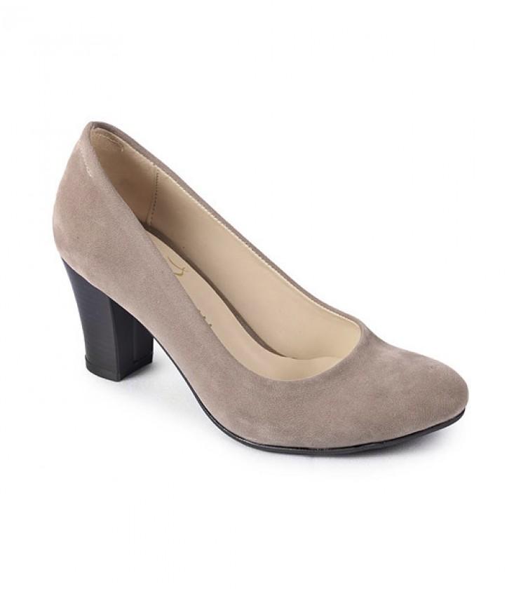 Кожени дамски обувки Pipa в бежов нюанс
